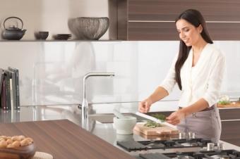 Смеситель для кухни GROHE Essence+